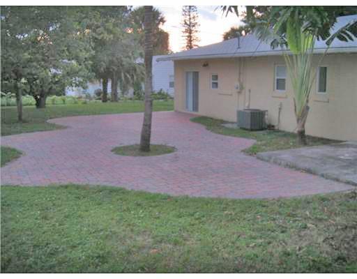 936 Upland Road West Palm Beach, FL 33401 photo 46