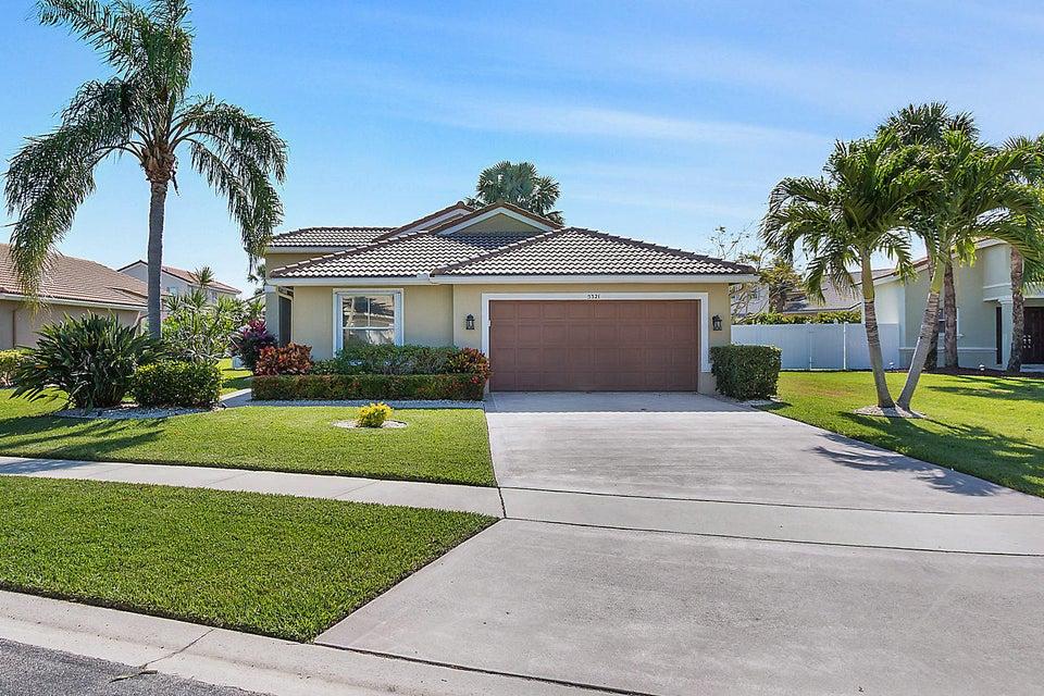 5321 Oakmont Village Circle  Lake Worth, FL 33463