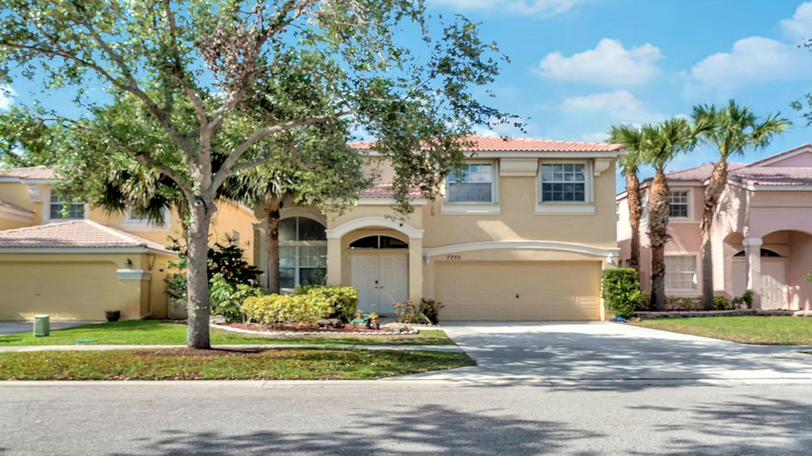 7755 Oak Grove Circle  Lake Worth, FL 33467