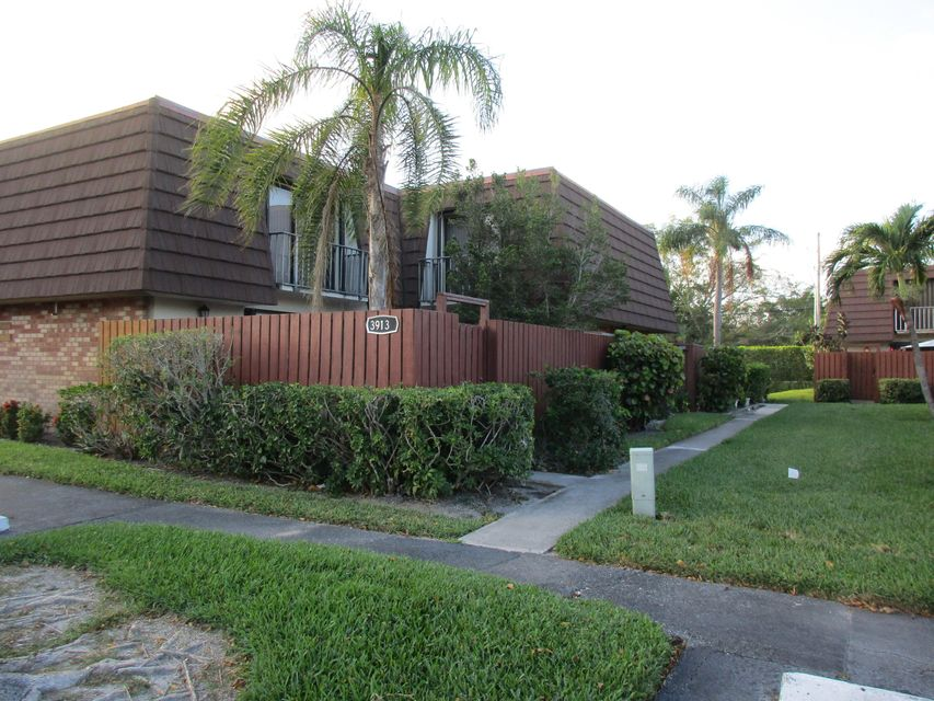 3913 Louis Drive 1304 Lake Worth, FL 33461 small photo 1