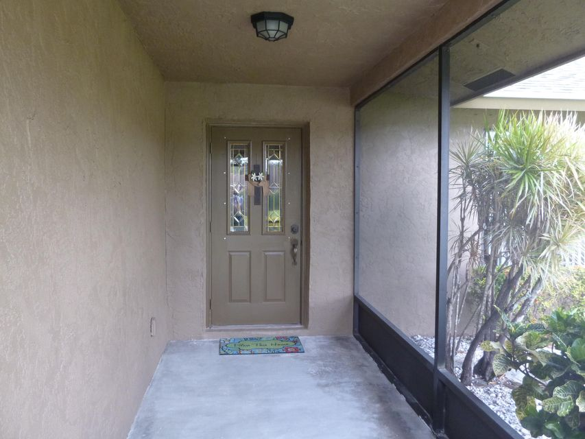 179 Sunflower Circle Royal Palm Beach, FL 33411 small photo 2