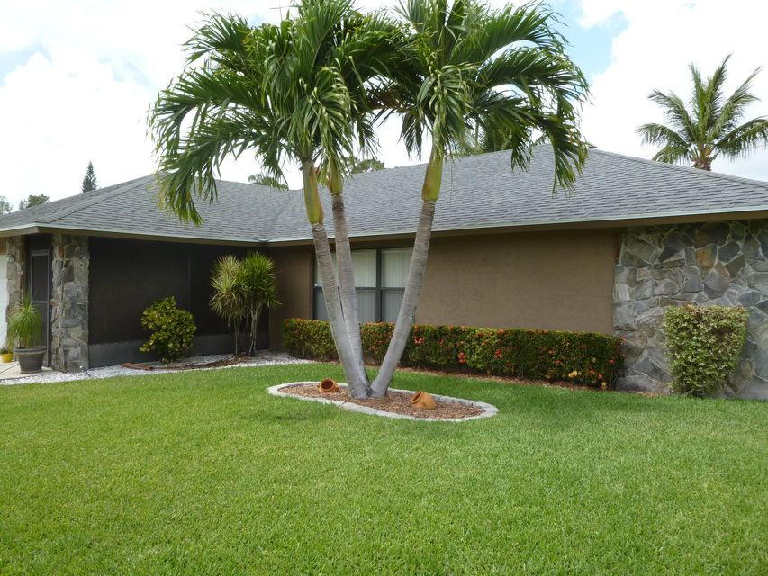 179 Sunflower Circle Royal Palm Beach, FL 33411 photo 3