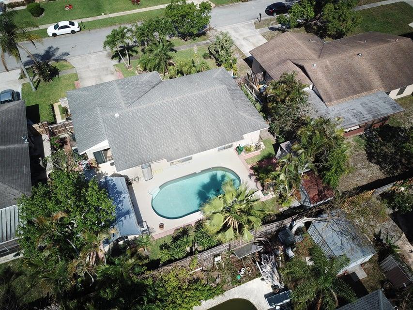 1088 Fernlea Drive West Palm Beach, FL 33417 photo 4