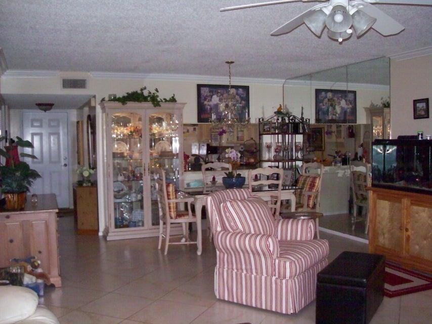 12870 Briarlake Drive 106 West Palm Beach, FL 33418 photo 6