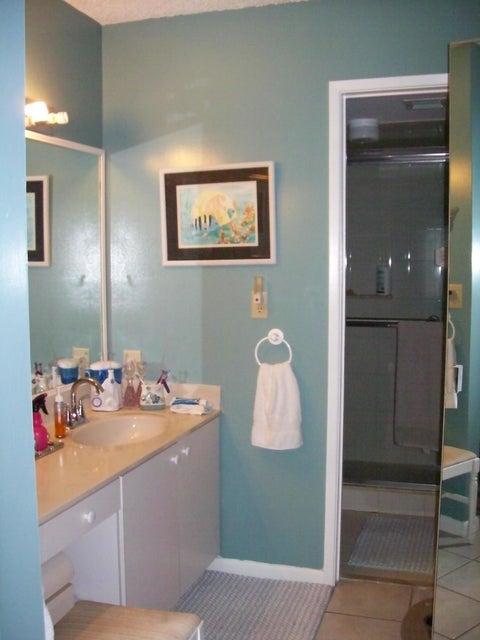 12870 Briarlake Drive 106 West Palm Beach, FL 33418 photo 8