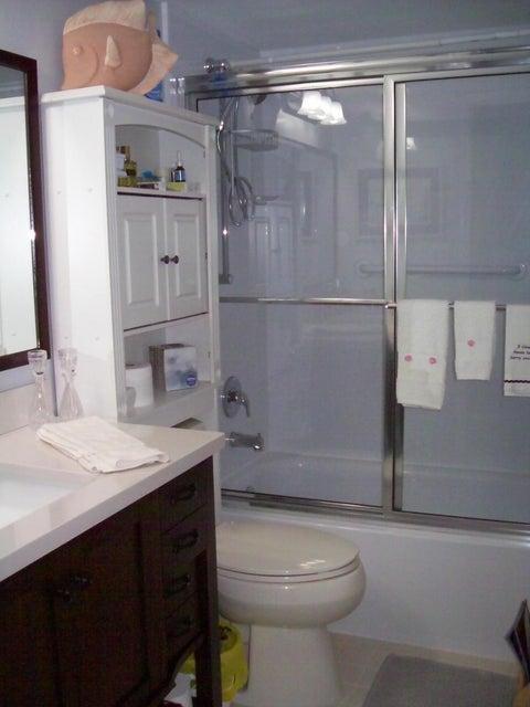 12870 Briarlake Drive 106 West Palm Beach, FL 33418 photo 10