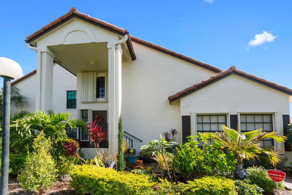 3094  Lucerne Park Drive is listed as MLS Listing RX-10423505 with 24 pictures