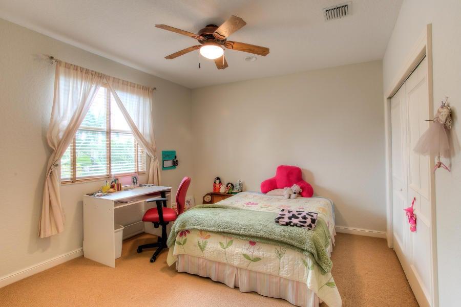 2419 NW 49th Lane Boca Raton, FL 33431 - photo 11