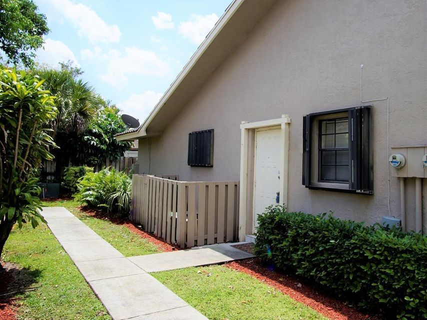 12693 Westhampton Circle Wellington, FL 33414 photo 2