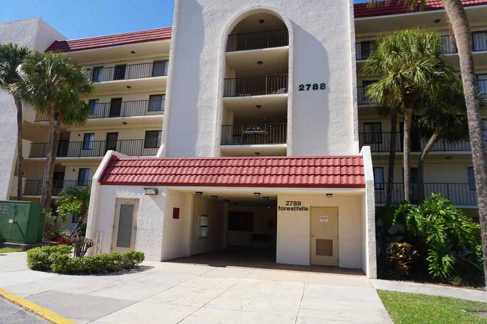 2788 Tennis Club Drive 402  West Palm Beach, FL 33417