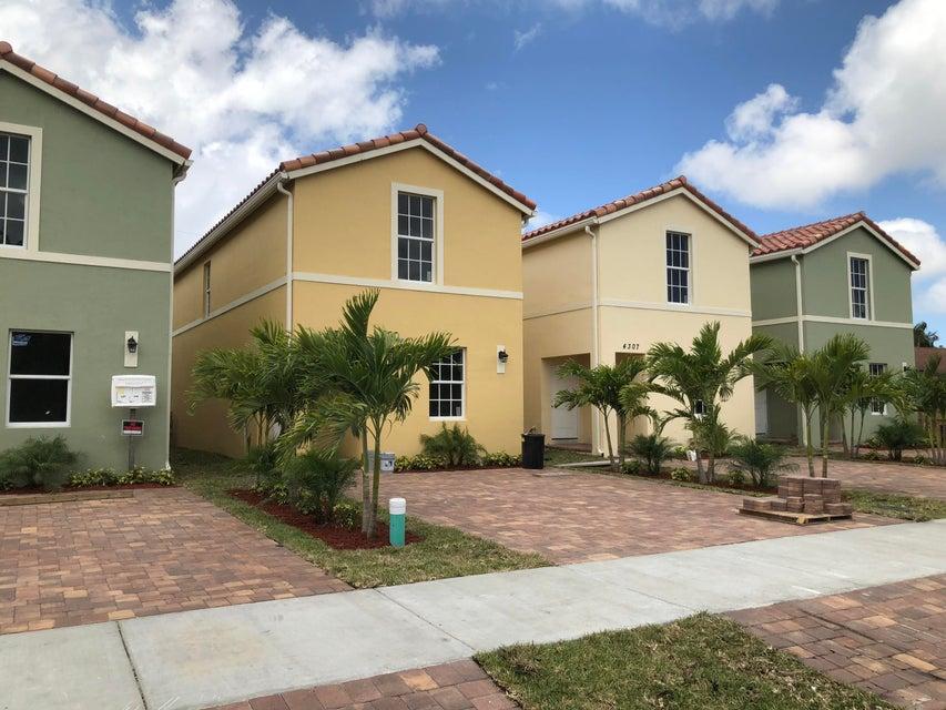 4321 Carver Street  Lake Worth, FL 33461