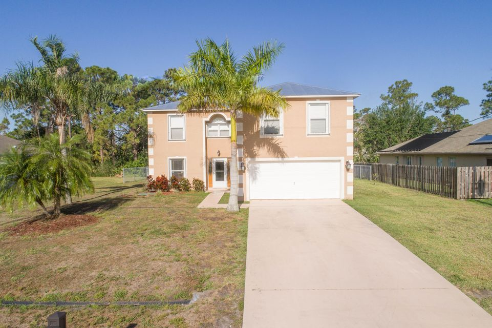 2992 SW Vittorio Street is listed as MLS Listing RX-10424025 with 21 pictures