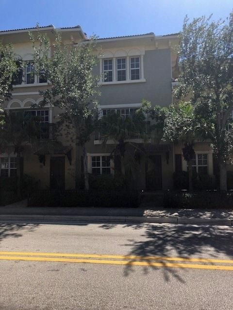 Home for sale in CLOISTERS AT LAKE WORTH Lake Worth Florida