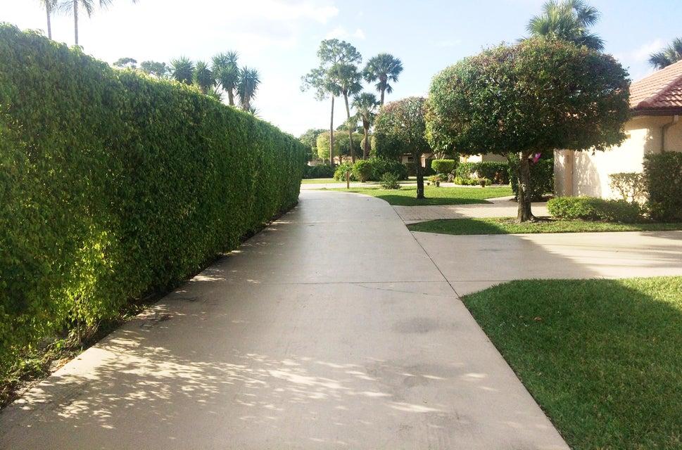 1120 Sand Drift Way B West Palm Beach, FL 33411 photo 3