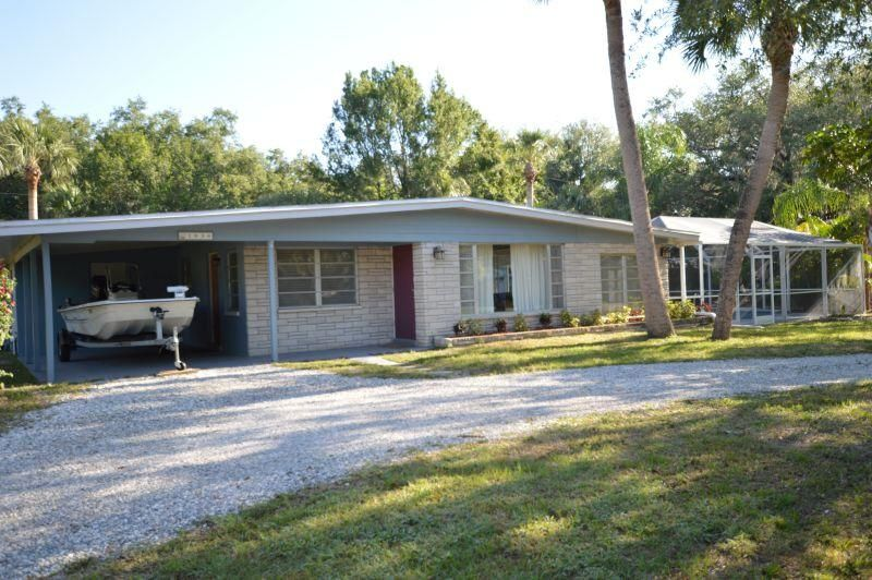 1036  28th Street is listed as MLS Listing RX-10424352 with 24 pictures