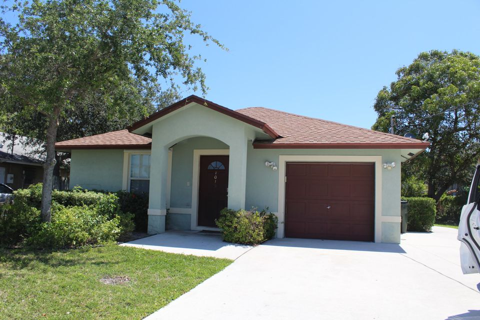 1015  Miami Boulevard is listed as MLS Listing RX-10423988 with 1 pictures