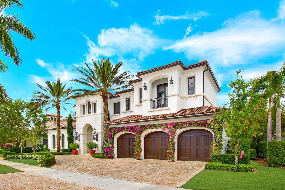 215  Via Palacio  , Palm Beach Gardens FL 33418 is listed for sale as MLS Listing RX-10422943 photo #2