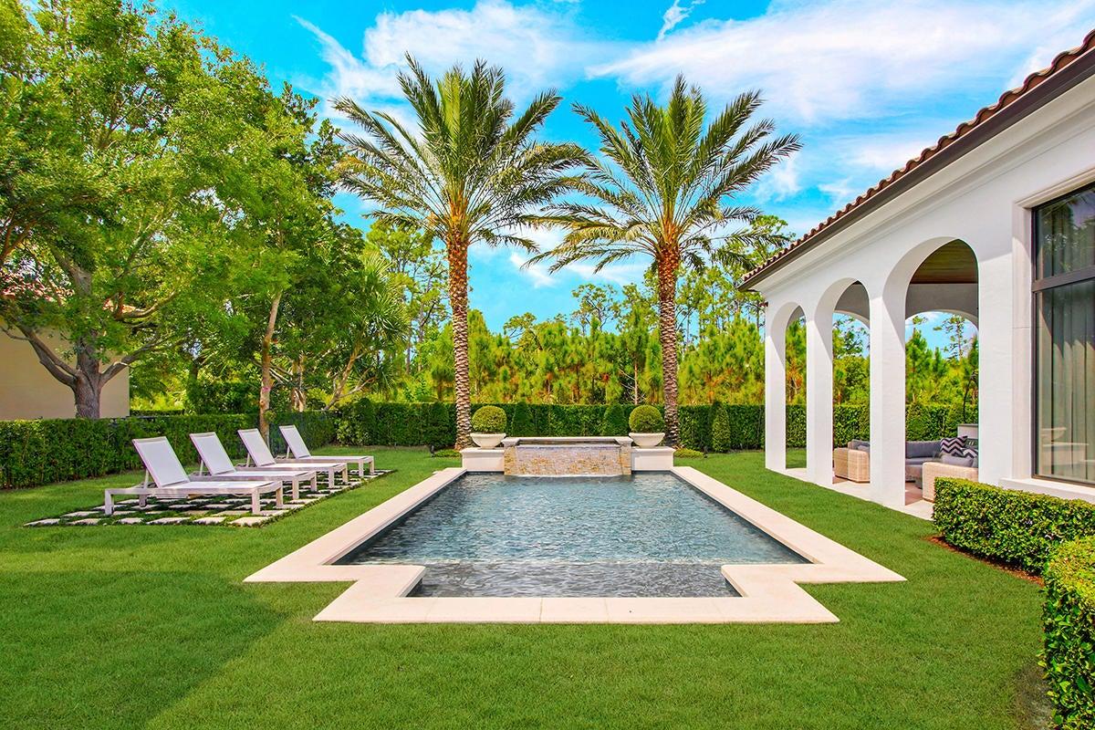 215  Via Palacio  , Palm Beach Gardens FL 33418 is listed for sale as MLS Listing RX-10422943 photo #29