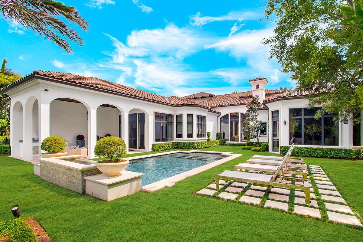 215  Via Palacio  , Palm Beach Gardens FL 33418 is listed for sale as MLS Listing RX-10422943 photo #30