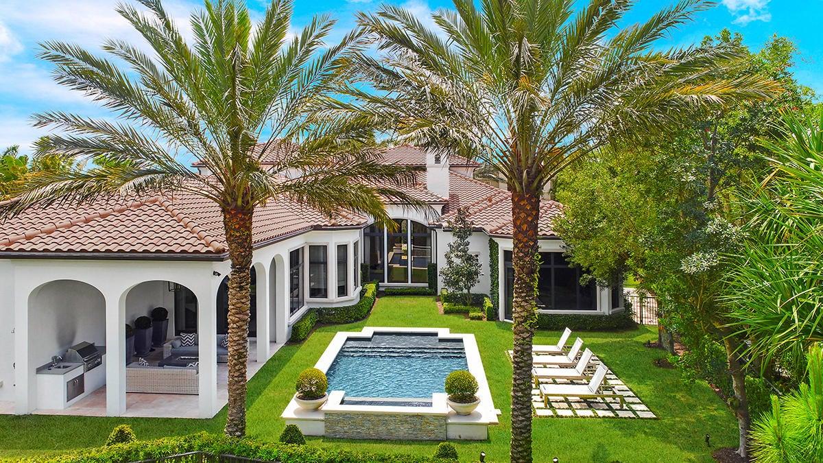 215  Via Palacio  , Palm Beach Gardens FL 33418 is listed for sale as MLS Listing RX-10422943 photo #31