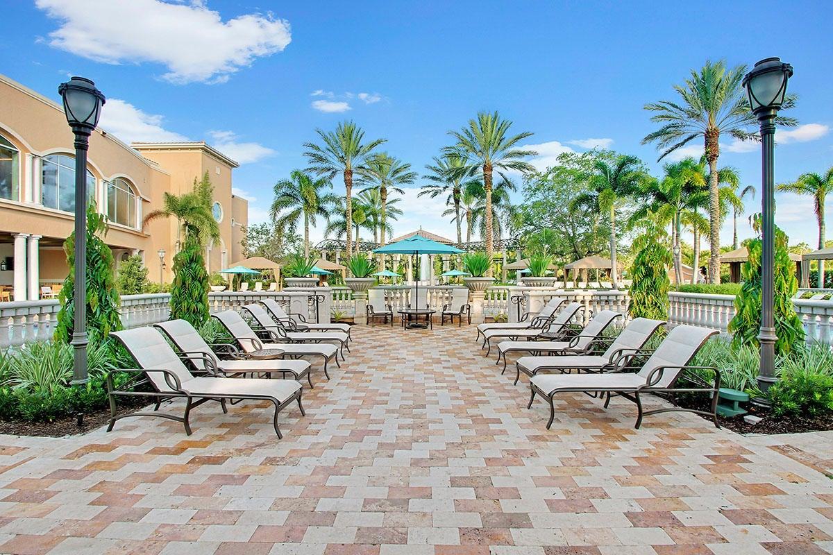 215  Via Palacio  , Palm Beach Gardens FL 33418 is listed for sale as MLS Listing RX-10422943 photo #34