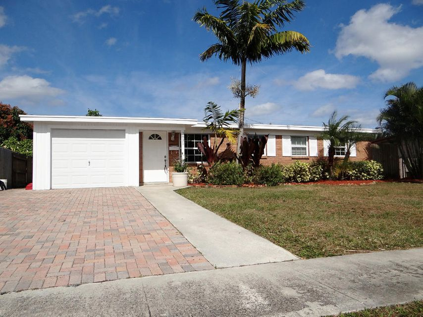 3831 Catalina Road , Palm Beach Gardens FL 33410 is listed for sale as MLS Listing RX-10424655 9 photos