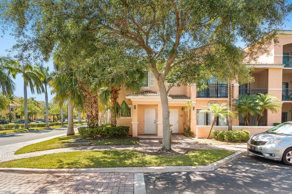 2809 Amalei Drive 105 , Palm Beach Gardens FL 33410 is listed for sale as MLS Listing RX-10424705 26 photos