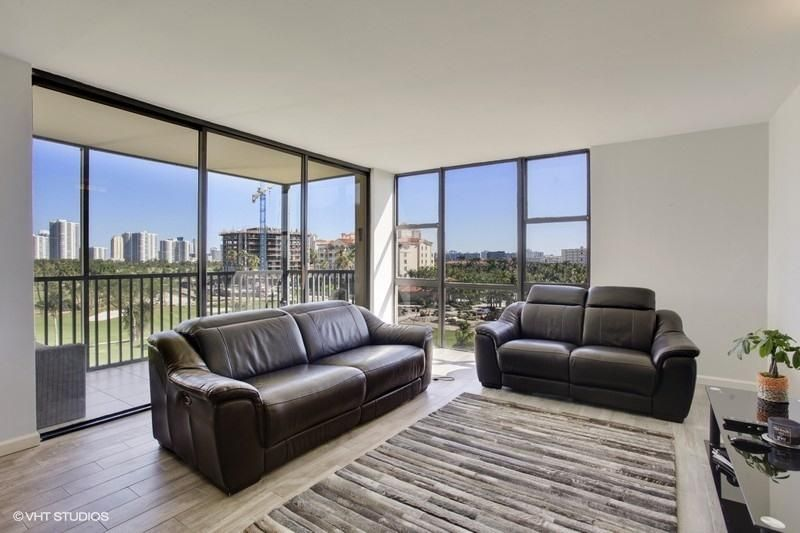 Home for sale in Coronado Tower I Aventura Florida