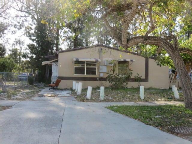 5617 Pinewood Avenue  West Palm Beach, FL 33407