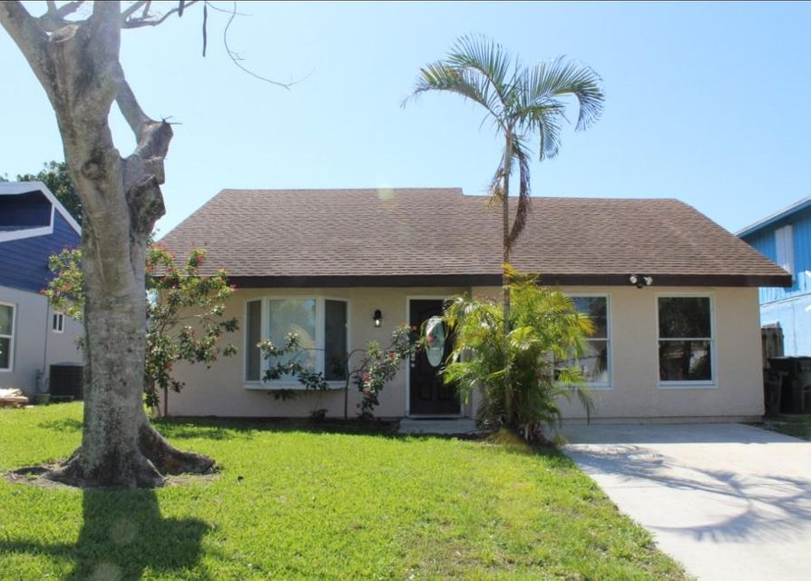 2394 Zeder Avenue  Delray Beach, FL 33444