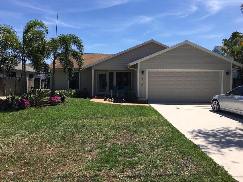 6228 Michael Street , Jupiter FL 33458 is listed for sale as MLS Listing RX-10421584 10 photos