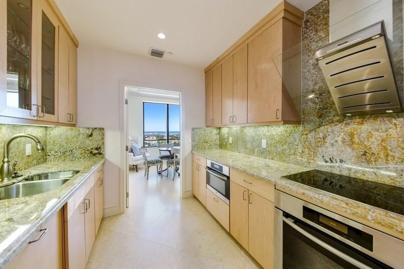 150  Bradley Place 904, Palm Beach FL 33480 is listed for sale as MLS Listing RX-10422847 photo #8