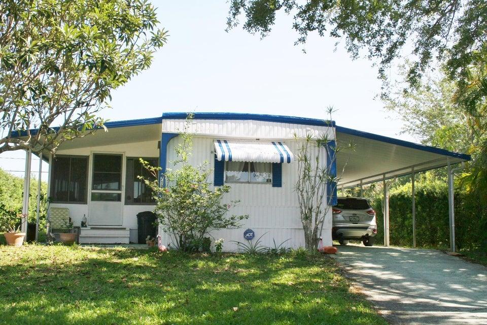7132 SE Bluebird Circle  Hobe Sound FL 33455