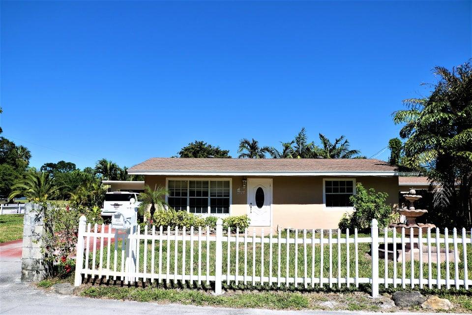 2929 Wayne Road West Palm Beach, FL 33406 photo 2