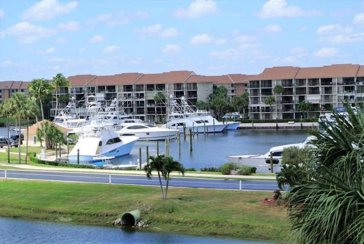 Photo of  Jupiter, FL 33477 MLS RX-10425503