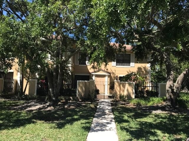 Photo of 377 Prestwick Lane #1, Palm Beach Gardens, FL 33418