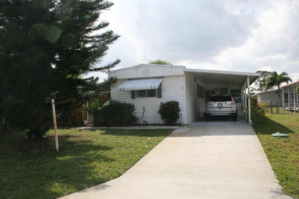 8576 SE Seabird Avenue  Hobe Sound FL 33455
