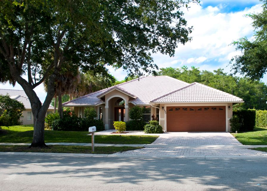 130 Cypress Cres  Royal Palm Beach FL 33411