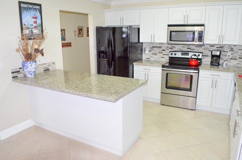 5010 Privet Place 201  Delray Beach FL 33484