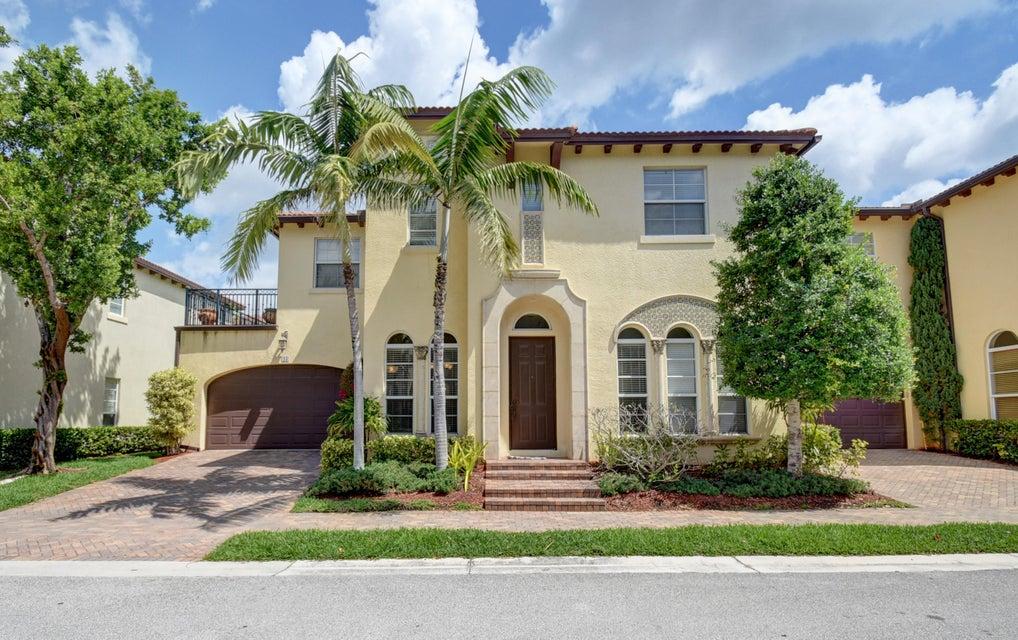 43 Via Poinciana Street  Boca Raton FL 33487