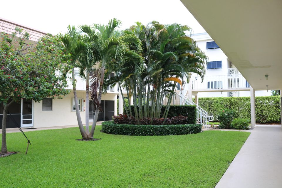 638 Snug Harbor Drive E-3  Boynton Beach FL 33435