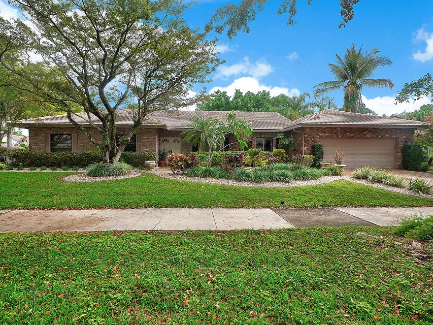 2420 NW 40th Circle  Boca Raton FL 33431