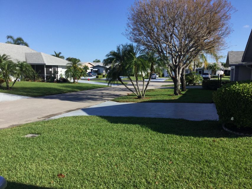 5256 Crystal Anne Drive West Palm Beach, FL 33417 photo 4