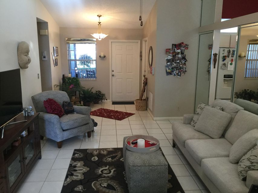 5256 Crystal Anne Drive West Palm Beach, FL 33417 photo 8