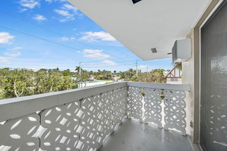 3220 Bayview Drive Fort Lauderdale, FL 33306 - photo 13