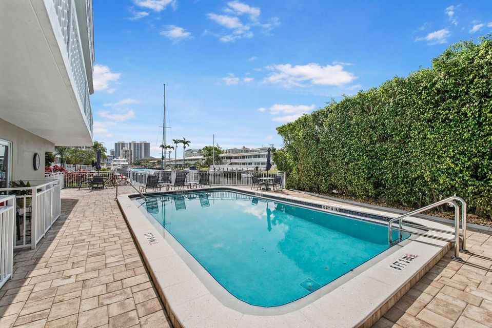 3220 Bayview Drive Fort Lauderdale, FL 33306 - photo 18