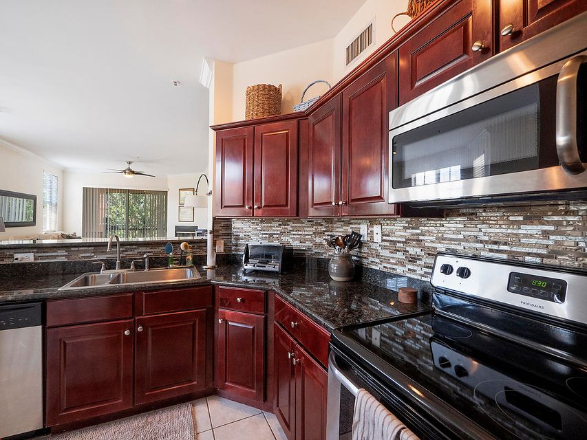 11770 St Andrews Place 301 Wellington, FL 33414 photo 3