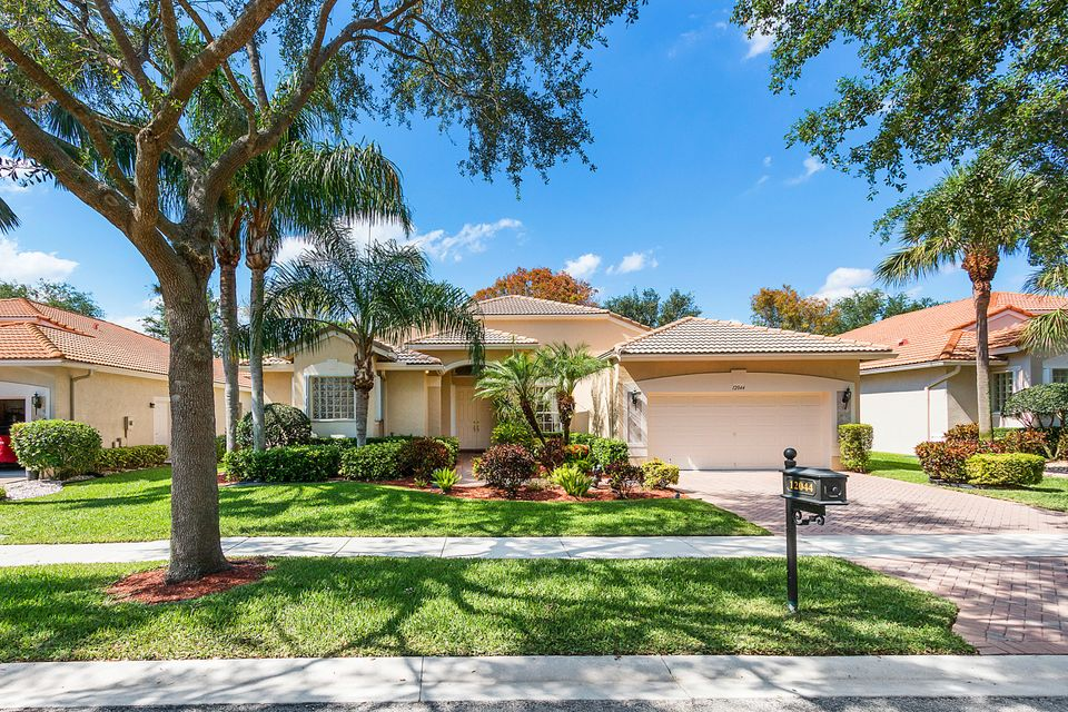AVALON ESTATES home 12044 Oakvista Drive Boynton Beach FL 33437