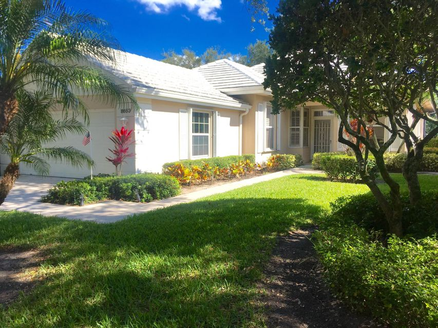 8653 Doverbrook Drive , Palm Beach Gardens FL 33410 is listed for sale as MLS Listing RX-10426044 19 photos