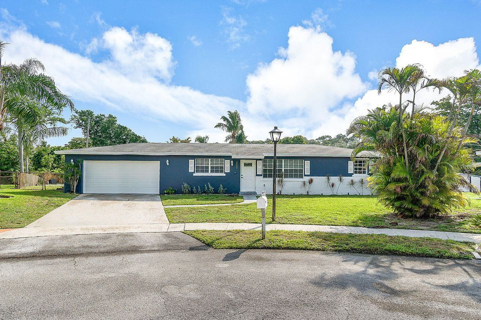 5957 Palm Court  West Palm Beach, FL 33415